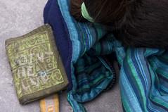 Yacare (Brnmeister) Tags: people gente estilo style colour green blue hair pelo chaqueta jacket cartera verde aguamarina