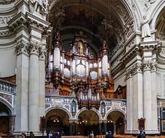 Organ in the Berlin Cathedral (KPPG) Tags: berlin architektur architecture dom kirche church gebude bilding kirchenschiff germany deutschland capitol hauptstadt europa europe samsungnx nx3000