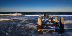 [Explore #62] no trespassing (Froschknig Photos) Tags: no trespassing notrespassing betreten verboten betretenverboten 6000 a6000 ilce6000 sonyalpha6000 2016 sel16f28 graufilter ostsee baltic buhnen meer see sea wellen wave waves blau blue explore