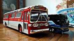 Hachette GMC New Look Bus Model (1) (Alexander Ly) Tags: ttc toronto transit commission hachette collection france montreal montrealnord nord quebec canada ontario gm gmc gmdd new look bus autobus fishbowl tdh5301 old vintage city vieux scale model modele reduit