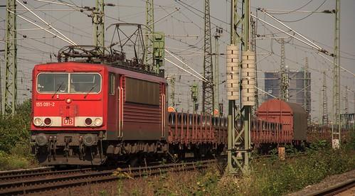 20.09.2005 Oberhausen West Stellwerk Maf Mathilde. DB 155 091 mit Güterzug
