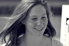 Tanni (Maike Höppner) Tags: summer portrait bw sun white black face nikon women friend gesicht porträt lucky sw frau schwarz personen mensch glücklich glück weis