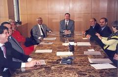 Em 1996 Edgard Hermelino Leite Junior comandava reunião de sócios no novo escritório da Rua Renato Paes de Barros.