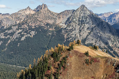 20151003-IMG_9930 (Ken Poore) Tags: washington hiking cascades larches northcascades geolocation maplepassloop geocity camera:make=canon exif:make=canon goldenlarches geocountry geostate exif:lens=ef24105mmf4lisusm exif:aperture=ƒ90 exif:model=canoneos6d camera:model=canoneos6d exif:focallength=58mm exif:isospeed=125 geo:lon=12075929833333 geo:lat=48500071666667