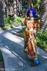 2015-11-07-Blizzcon-56 (Robert T Photography) Tags: robert canon wow cosplay worldofwarcraft warcraft blizzcon druid anaheim blizzard nightelf anaheimconventioncenter robertt roberttorres serrota serrotatauren roberttphotography blizzcon2015