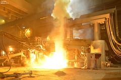 ISD HUTA CZSTOCHOWA - ZAKAD STALOWNIA, konwertor elektryczny KONEL podczas spustu ula. / ISD STEEL WORKS CZSTOCHOWA - STEEL PLANT, electric arc furnace during slag pouring. (Cezary Mio Fotografia Przemysowa) Tags: steel htte poland polska polen furnace ofen isd stahl steelworks piec stahlwerk bse smelting stal steelplant 2015 heavyindustry eaf manipulator czstochowa metalurgy huta spust metalurgia rakw konel lskie lanca electricarcfurnace wytop hutnictwo stalownia  hutaczstochowa  cezarymio przemysciki konwertorelektryczny cezarymiofotografiaprzemysowa przemyshutniczy piecelektryczny czstochowskie zakadrakw furnacetapping przemysmetalurgiczny piecstalowniczy hutaprzetwrcza isdpolska grupaisd kolumnaelektrod ramionaelektrod