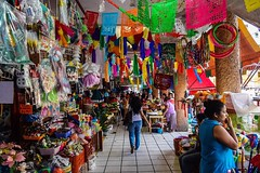 Day 240. Great colors everywhere. Should be crossing into Guatemala today, just waiting for my cell service to start working. #theworldwalk #travel #Mexico