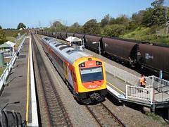 Hunter set J7 at Tarro (sydney.trainsvlogs) Tags: set j oscar railcar valley hunter tarro ugl
