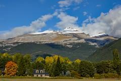 Montaa nevada (cesarpc1975) Tags: montaa nieve pirineos huesca espaa senderismo paisaje nubes