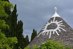 Un  Trullo ... trallal (Giuliana 57) Tags: alberobello puglia italia trulli costruzioni alberi pietre coni vacanze giulana57 giulianacastellengo nikond5200 reflex