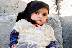 Cute dollish baby in Gilgit, Pakistan (inchiki tour) Tags: travel photo film pakistan     pakistani  pamir karakoram   gilgit  people girl dollish dolly
