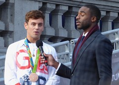 Tom Daley and Ore Oduba (Suede Bicycle) Tags: olympics rio rioolympics rio2016 olympicgames heroeswelcome trafalgarsquare summerolympics olympicparade paralympics rioparalympics