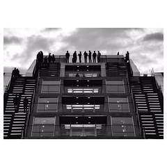Metropolis (Nikonfotografie) Tags: meinnorden minimalistisch urban architecture fineartphotography architektur hafen docklands dockland bnwphotography blackandwhite schwarzweis bnw typischhamburch hamburgliebe hamburgmeineperle hamburgerecken hamburg hh