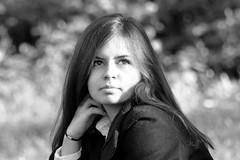 Sance photo (maxguitare1) Tags: jeunefille ragazza muchacha younggirl noiretblanc blackandwhite france nikon portrait