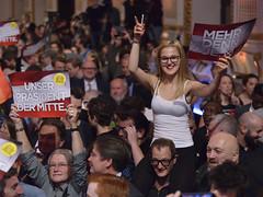 Bundesprsidentenwahl 2016 #bpw16 (daniel-weber) Tags: bundesprsidentenwahl 2016 bpw16 vanderbellen norberthofer fp alexander hofburg wahl election vienna austria