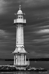 Smaphore (Didier Mouchet) Tags: smaphore genve genf geneva landscape laclman lakeofgeneva lac lman littoral nikond5300 nikon noiretblanc blackandwhite nuages landschaft suisse switzerland lighthouse didiermouchet