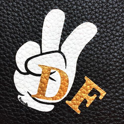 Badge peace sign Hermes Dalia 3