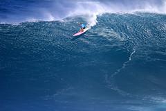 IMG_2578 copy (Aaron Lynton) Tags: surfing lyntonproductions canon 7d maui hawaii surf peahi jaws wsl big wave xxl