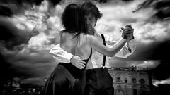 il Tango è un pensiero triste che si balla in due (Angelo Trapani) Tags: danza ballo coppia tangueri uomo donna ballerini piroette passi argentina astorpiazzolla palermo buenosaires tango untangoapalermo zisa castello piazza pista musica ritmo tempo figure