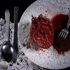 Le festin (ARI.Photographie) Tags: darkness child creepy creep food heart meal girl bread blood dark darkbeauty