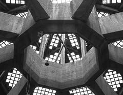 Nonagon*** (trommler13) Tags: fuji von aachen architektur dach halle 1925 glasdach nonagon baudenkmal xt1 betonbau artfotografie samyang12mmf20 xf165528 lastkraftwagenhalle