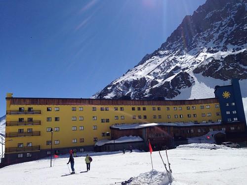 Facade of Hotel Portillo
