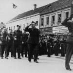 Norske styrker defilerer i Kongens gate (1945) thumbnail