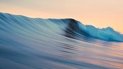 Anglų lietuvių žodynas. Žodis rolling wave reiškia pasipriešinimo banga lietuviškai.