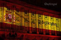 La fachada por bandera (mArregui) Tags: wwwarreguimeluscom marregui bandera espaa palacio palacioreal real madrid madriddelosaustrias arquitectura edificio luz luces juegodeluces