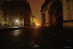 Prague stone-paved street in a foggy early morning [9984] (cl.lin) Tags: nikon prague foggy czechrepublic reflections