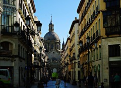 Calle Alfonso-Zaragoza (portalealba) Tags: zaragoza aragon espaa spain calle street portalealba pentax pentaxk50 magiccity 1001nights