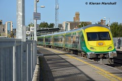 4001 passes Portarlington, 29/9/16 (hurricanemk1c) Tags: railways railway train trains irish rail irishrail iarnrd ireann iarnrdireann portarlington 2016 caf mark4 intercity 4001 0900heustoncork