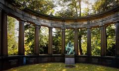 Grabmal (frodul) Tags: friedhof grabmal erinnerung gedenken gegenlicht kreuzberg berlin deutschland grabsttte ruhesttte bergmannstrase