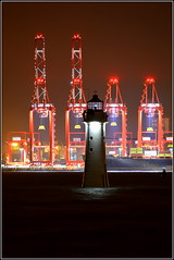 Liverpool 2 Deep Water Container Terminal & Fort Perch Rock Lighthouse 27th October 2016 (Cassini2008) Tags: liverpool2deepwatercontainerterminal perchrocklighthousenewbrightonwirral peelports portofliverpool wirral rivermersey lighthouse newbrighton fortperchrocklighthouse