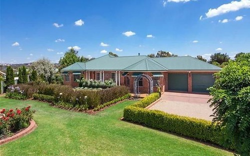14 Evangelist Avenue, Lake Albert NSW 2650