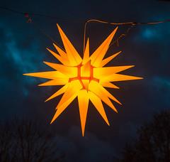 Es weihnachtet (matthias_oberlausitz) Tags: herrnhuter stern weihnachten weihnachtsmarkt leuchten beleuchtet oberlausitz