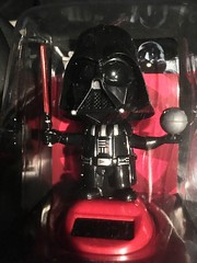 vader (timp37) Tags: star wars toy darth vader solar bobble head 2016