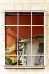 Reflejos de Bilbao (Jo March11) Tags: bilbao bizkaia pasvasco euskalherria guggenheim museoguggenheim ventana reflejos color puente ieletxigerra idoiaeletxigerra eletxigerra canon canoneos