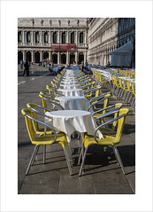 That's better! (andyrousephotography) Tags: venice sanmarco stmarks square caf coffee seats tables order structured aligned ocd andyrouse canon eos 5d mkiii