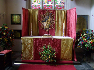 Suffolk Regiment chapel altar (Ninian Comper, 1935)