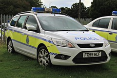 Lincolnshire Police Ford Focus Estate Dog Section Car (PFB-999) Tags: dog ford car wagon focus estate police headquarters lincolnshire lincoln vehicle leds van hq beacons section k9 workshops unit lightbar lincs constabulary rotators dashlight fx59hcf