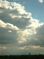 Gottes Nam' ist hoch von Wrden (amras_de) Tags: sky cloud wiesbaden nuvola wolke nubes nuage nuvem nor nube bulut wolk sk oblak moln biebrich boira nvol pilvi chmura oblaci hodei nubo pilv wollek clood felho debesis scamall makoni nvol nvula