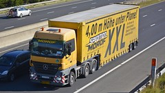 CW M 602 (panmanstan) Tags: truck wagon mercedes motorway yorkshire transport lorry commercial vehicle freight sandholme m62 haulage hgv actros curtainsider