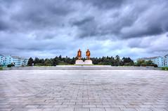 Leaders Monument - Chongjin [HDR] (Tom Peddle) Tags: monument exposure kim president great north korea personality il korean cult multiple leader leaders dear comrade hdr kp northkorea jong sung dprk chongjin northhamgyong chŏngjin