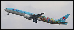 HL8275 Korean Air Lines Children Livery Boeing 777-300 (Tom Podolec) Tags: this image may be used any way without prior permission © all rights reserved 2015news46mississaugaontariocanadatorontopearsoninternationalairporttorontopearson