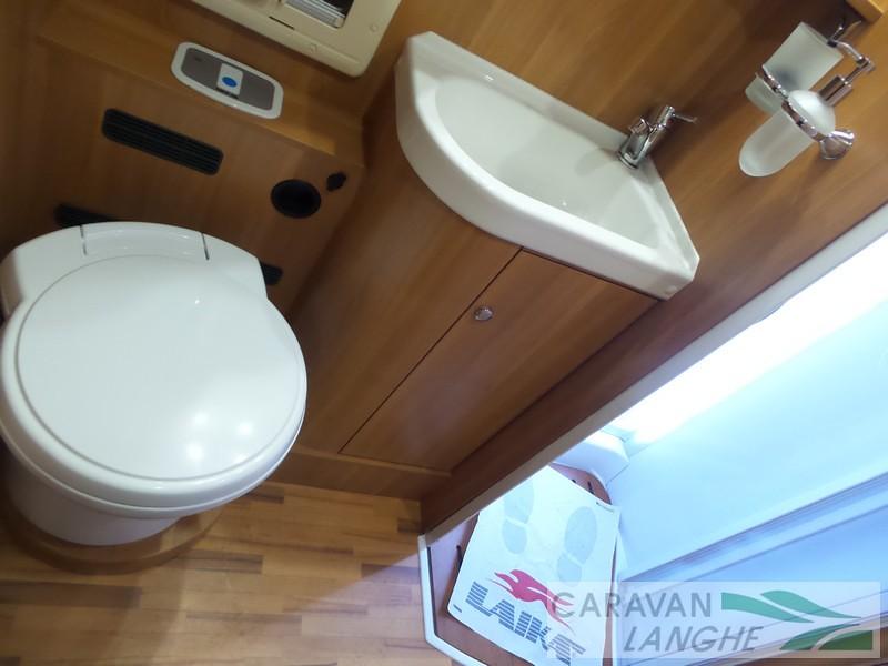Camping Toilet Gamma : Composting toilet in a van