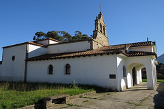 Santa Mara de la Tona, La Isla (TerePedro) Tags: naturaleza church arquitectura exterior iglesia asturias rbol santamaria eglise colunga laisla tona santamara