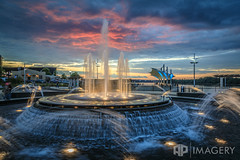 Smothers Park Fountain - Sept 2016 (AP Imagery) Tags: downtown owensboro riverfront waterfront batwing sunset fountain canopy water handheld ky smotherspark twilight kentucky overlookpavilion singleshot usa