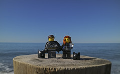 (autobusapedali) Tags: lego legophoto legominifigures love beach tuscany batman catwoman squared canonm3 canon