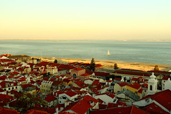 Portas Do Sol, Lisboa, Portugal () Tags: portasdosol view ocean canon 6d portugal lisboa   frank photographer relax vacation friends 1740l sky